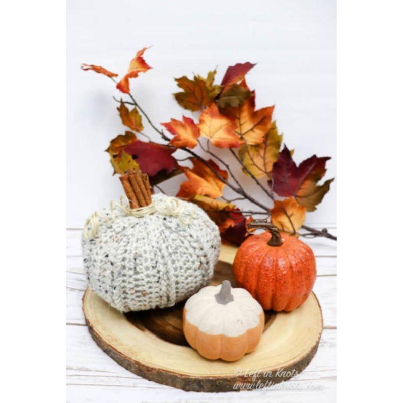 crochet cinnamon stick pumpkin